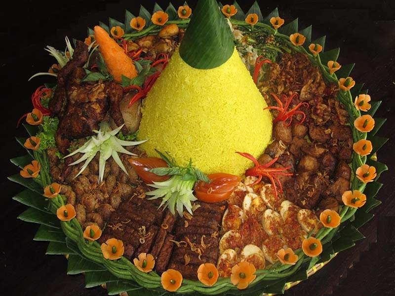 Tumpeng Sere Manis